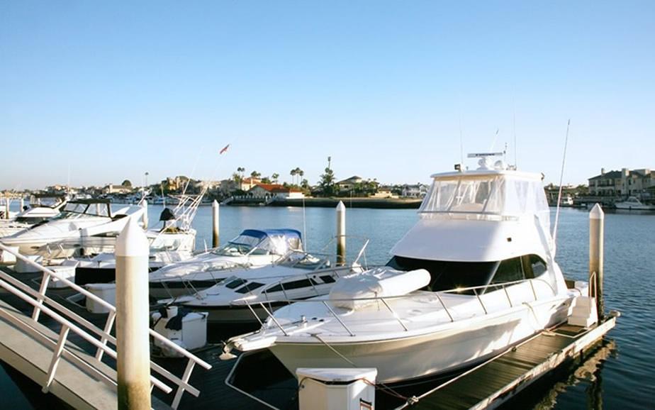 Surf City Boat Rentals - Huntington Beach, CA